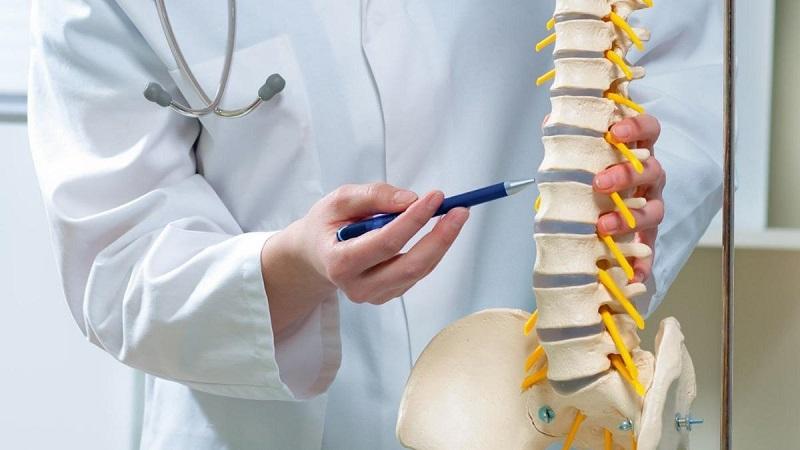 نشانه های تنگی کانال نخاعی کمری و در ناحیه پایین کمر