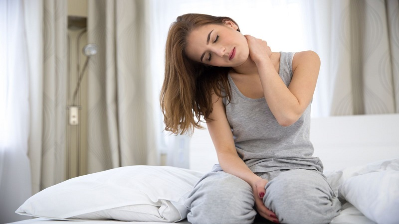 چه عواملی باعث بروز لوردوز گردن می شود ؟