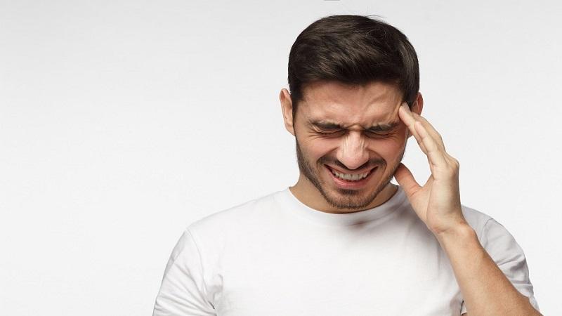 سردرد عصبی-علائم و نشانهها و راههای درمان آن | درمان دیسک کمر اصفهان