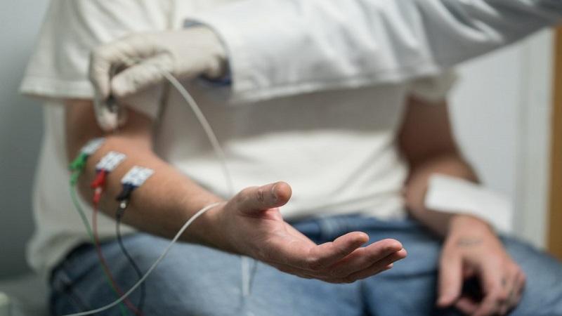 تشخیص اختلالات آرنج   درمان دیسک کمر اصفهان